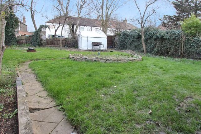 Thumbnail Property to rent in Devonia Gardens, London