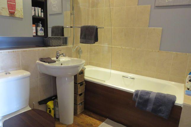 Bathroom of Ottawa Court, Broxbourne EN10