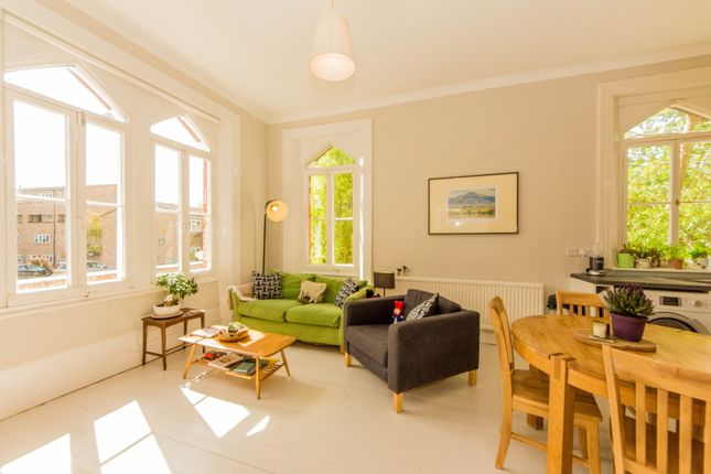 Thumbnail Flat for sale in Castledine Road, London