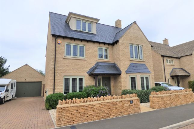Thumbnail Detached house for sale in Old Railway Close, Lechlade
