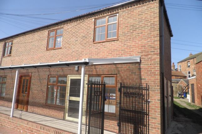 Thumbnail Flat to rent in Old Stables, Piggy Lane, Withernsea, East Riding Of Yorkshire