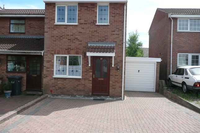2 bed semi-detached house to rent in Rosecroft Gardens, Swadlincote DE11