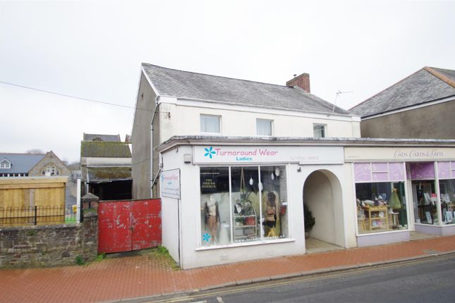 3 bed flat for sale in West Cross, Caen Street, Braunton EX33