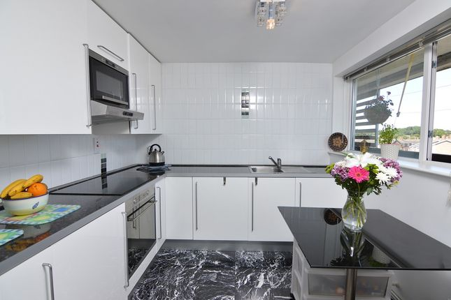 Thumbnail Flat for sale in Chatterford End, Basildon