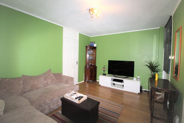 Thumbnail Terraced house to rent in Hevelius Close, London