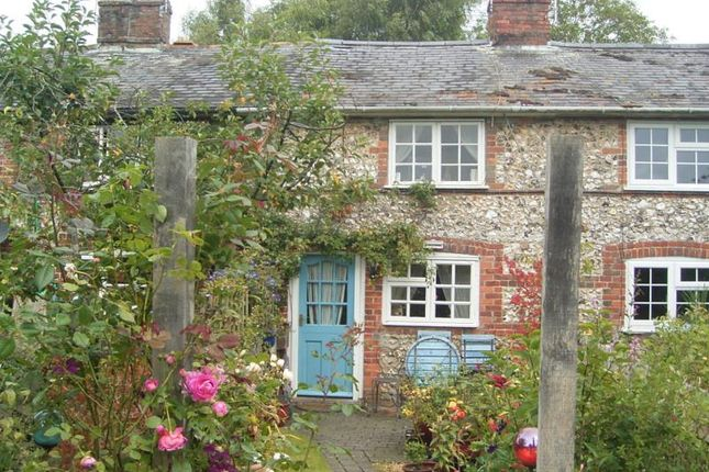 Thumbnail Cottage to rent in Union Street, Ramsbury