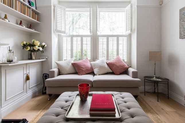 Thumbnail Town house to rent in Kingwood Road, London