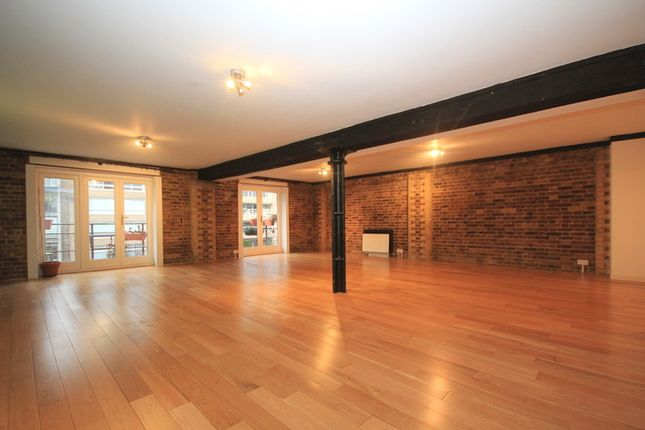 Thumbnail Flat to rent in St Saviours Wharf, 23-25 Mill Street, Shad Thames