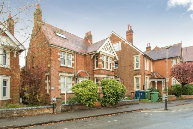 Thumbnail Flat for sale in Divinity Road, Oxford