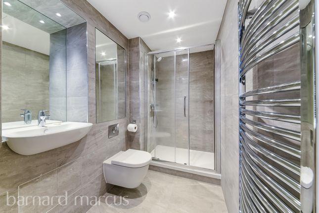 Bathroom of High Street, Feltham TW13