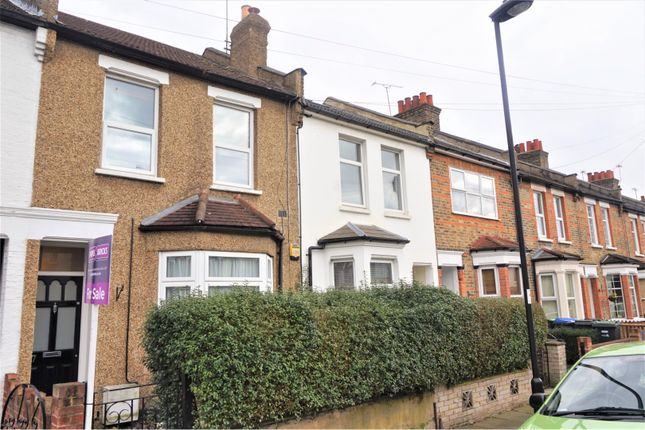 2 bed flat for sale in Halstead Road, Enfield