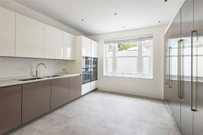 Thumbnail Property to rent in Springfield Road, St Johns Wood, London