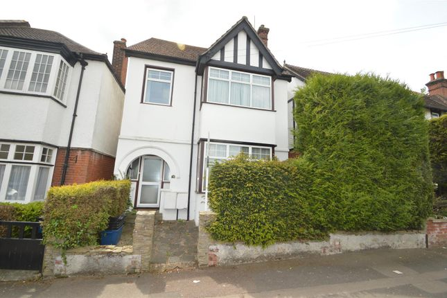 Thumbnail Detached house to rent in Barclay Oval, Woodford Green