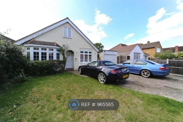 4 bed detached house to rent in Pinewood Avenue, New Haw, Addlestone KT15