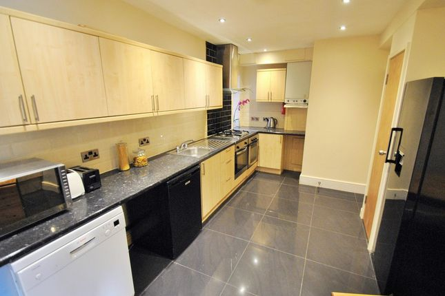 Thumbnail Semi-detached house to rent in Edgeworth Drive, Bills Included, Fallowfield, Manchester