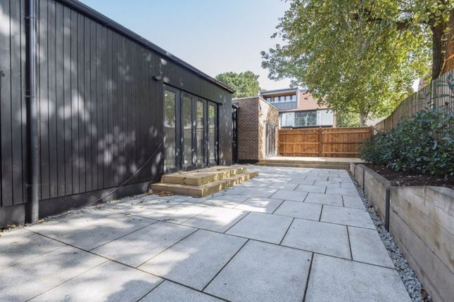 Photo 18 of 158 Foxley Lane, Purley CR8
