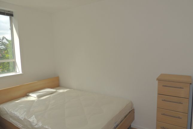 Thumbnail Flat to rent in Wynford Road, Kings Cross