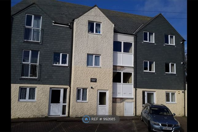 2 bed flat to rent in Gurneys Court, Camborne TR14