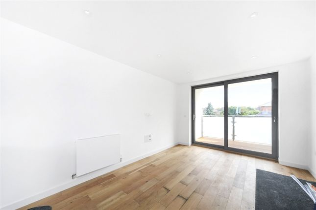 Thumbnail Flat for sale in Radbourne Road, London
