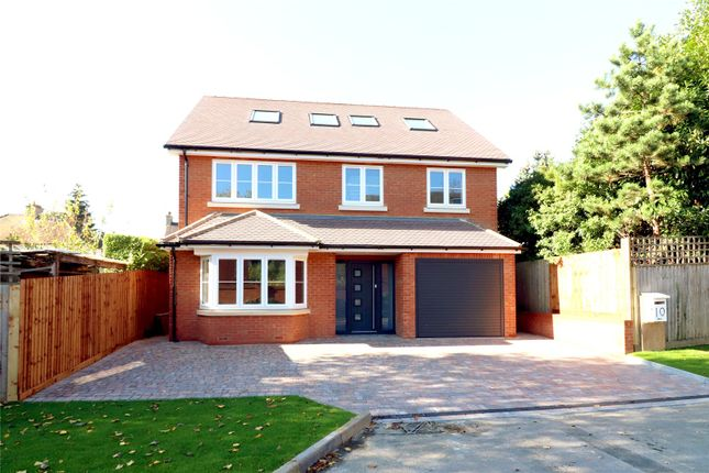 Thumbnail Detached house for sale in Jubilee Walk, Kings Langley