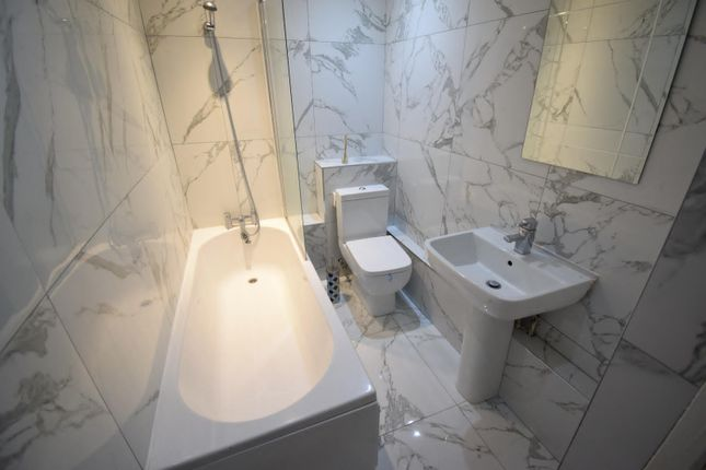 Thumbnail Flat to rent in Laurel Road, Liverpool