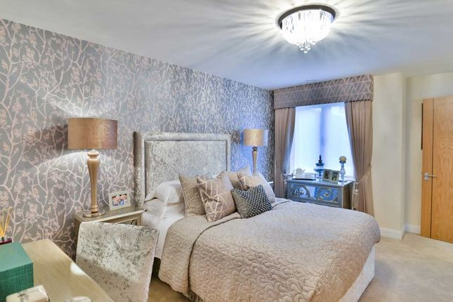 2 bed property for sale in Trinity, Beaumont Way, Hazlemere, High Wycombe HP15
