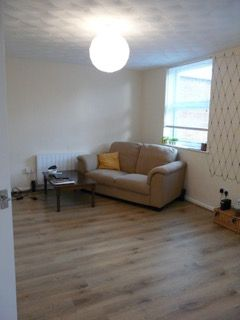 1 bed flat to rent in High Street, Suffolk