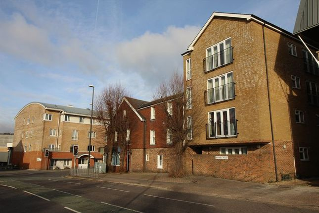 Studio to rent in Station Way, Crawley