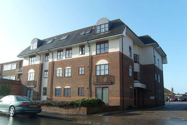Thumbnail Flat to rent in Victoria Court, South Street