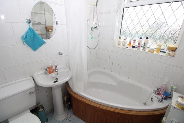 Bathroom of Coventry Road, Sheldon, Birmingham B26