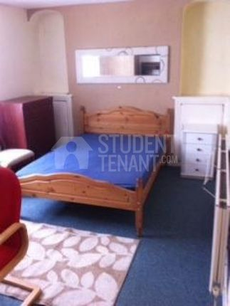 Thumbnail Shared accommodation to rent in Wood Road, Pontypridd, Glamorgan
