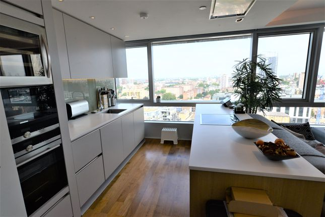 2 bed flat to rent in 257 City Road, London EC1V