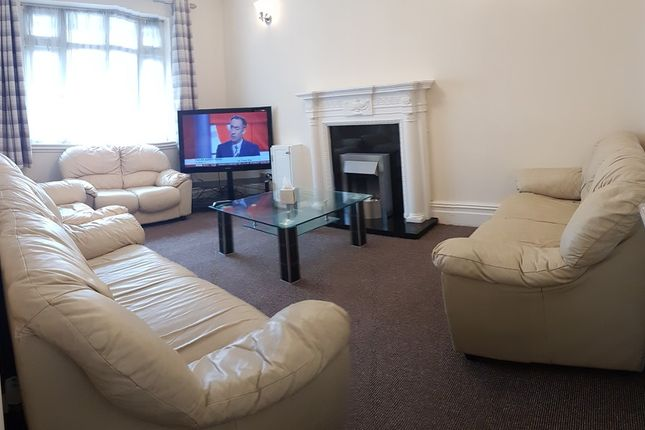 Thumbnail Semi-detached house to rent in Kingswood Road, 7 Bed, 92452, Fallowfield, Manchester