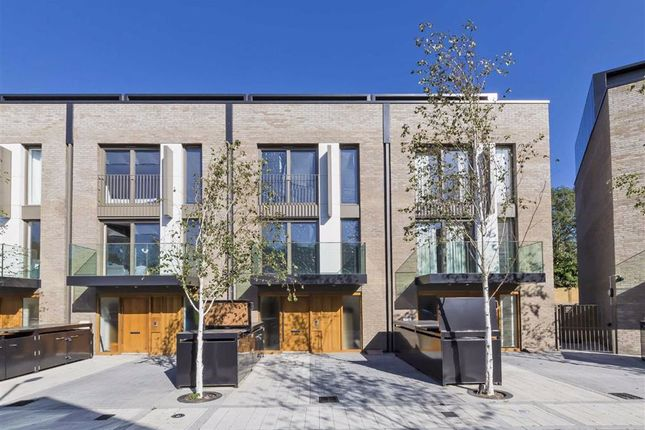 Thumbnail Property for sale in Bourke Close, London