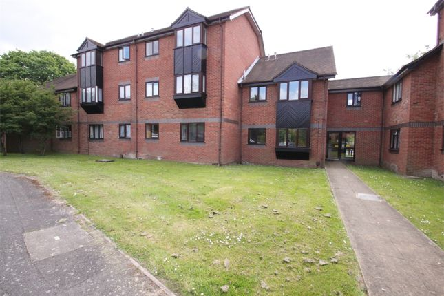 1 bed flat to rent in Willenhall Drive, Hayes, Middlesex