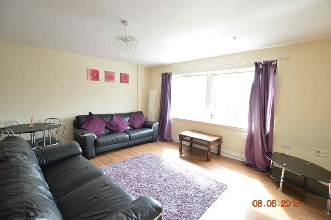 Flat to rent in Victoria Road, The Plaza Building, Glasgow