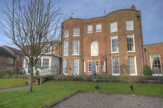Thumbnail Flat for sale in The Avenue, Westgate, Bridlington