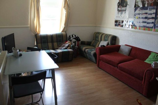 Thumbnail Flat to rent in City Road, Roath