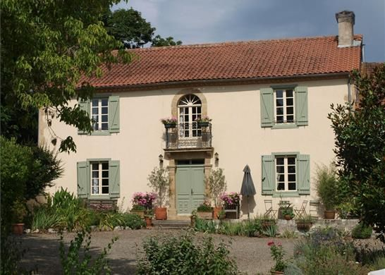 5 bed farmhouse for sale in 32170 Miélan, France