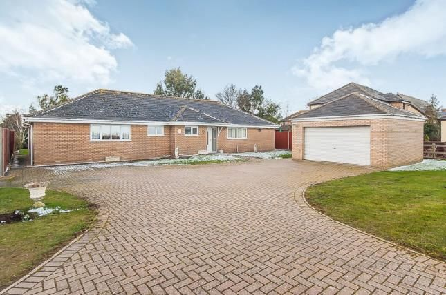 4 bed bungalow for sale in March Road, Turves, Whittlesey, Peterborough