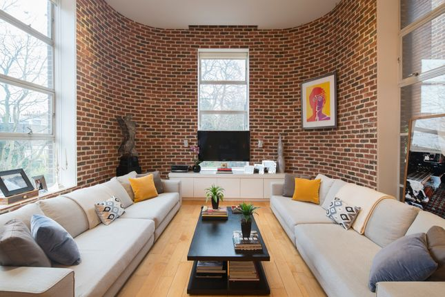 Thumbnail Flat for sale in Hall Road, London