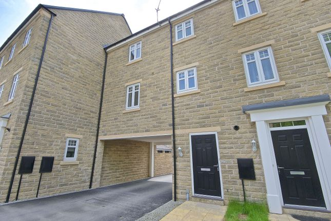 Thumbnail Town house for sale in Mill Way, Otley