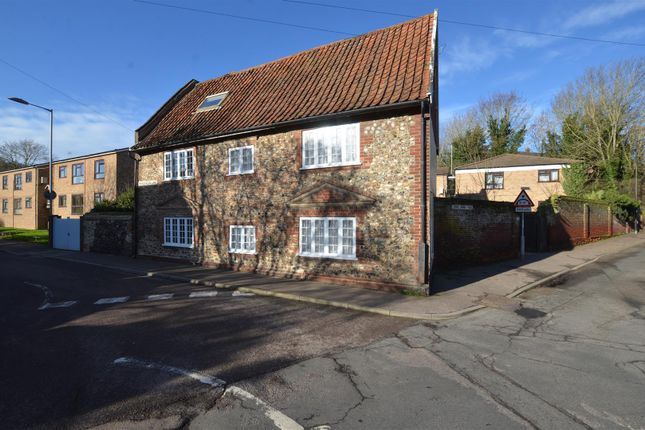 Thumbnail Detached house for sale in Long John Hill, Norwich