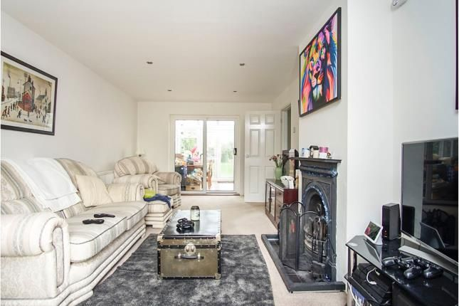 Lounge of Hampden Place, Frogmore, St. Albans, Hertfordshire AL2