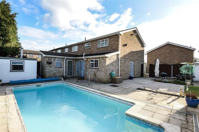 Cumberland Close Hornchurch Rm12 3 Bedroom End Terrace House For Sale 45799494 Primelocation