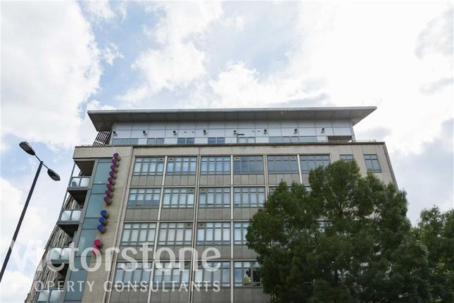 1 bed flat to rent in City Road, Clerkenwell, London