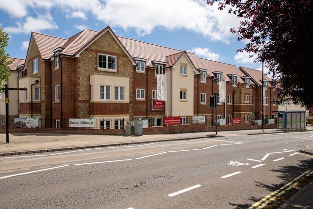 Thumbnail Flat to rent in Stakes Road, Waterlooville