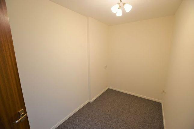Bedroom of Market Street, Launceston PL15