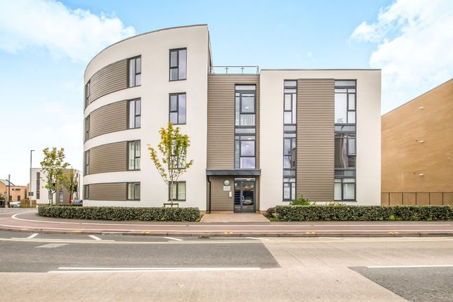 2 bed flat for sale in Firepool View, Taunton