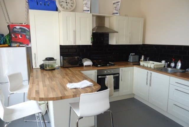 Thumbnail Flat to rent in Gainsborough Road, Wavertree, Liverpool